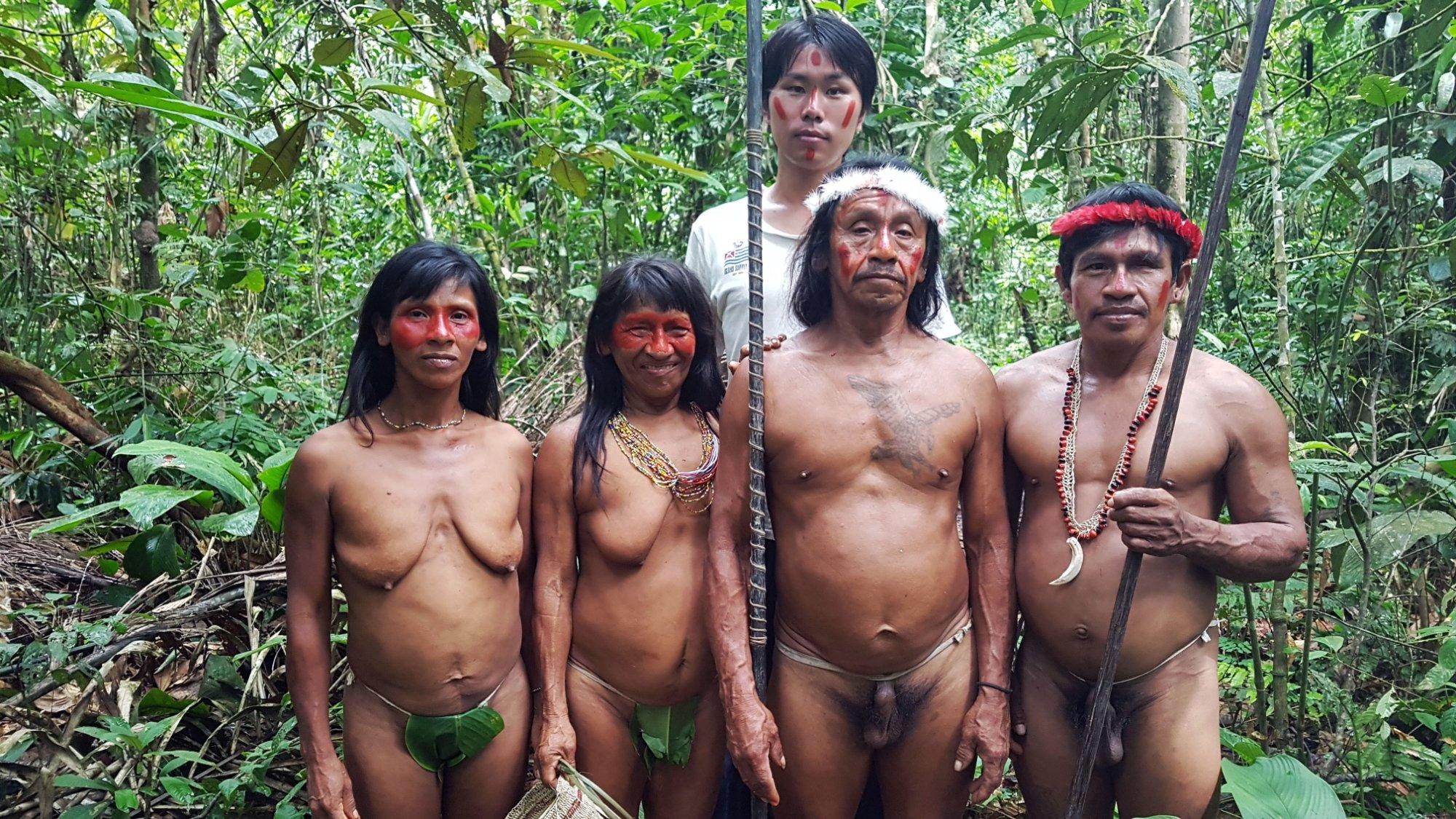 visita de la cultura Waorani en la selva de Yasuni, en la comunidad Bameno.