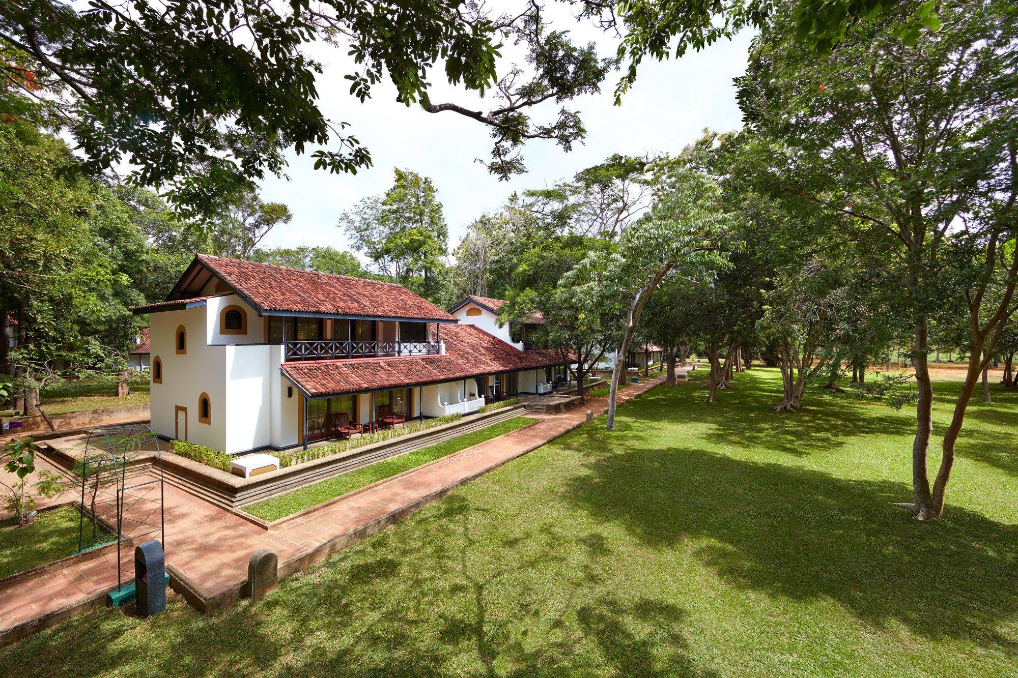 Top Indian wedding planner for Weddings in Galle, Weligama, Bentota, Kalutara. Thinking of a Sri Lanka wedding? Call/WA +919910325805 | +919899744727 now!