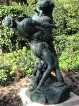 Statue Le denicheur d'ours