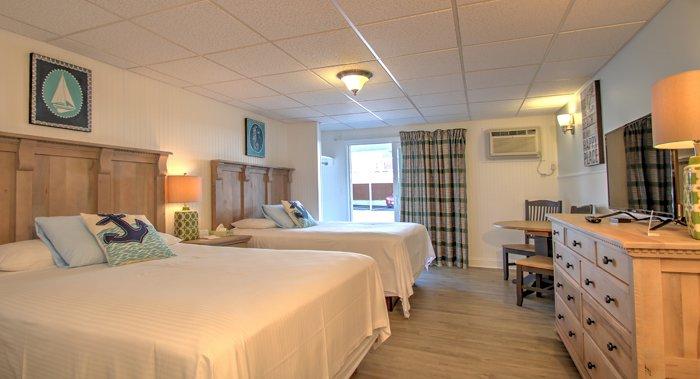 Mainsail Motel & Cottages