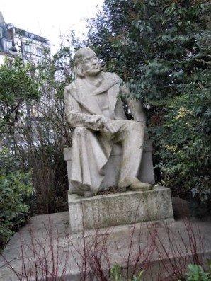 Statue Pierre Jean de Beranger