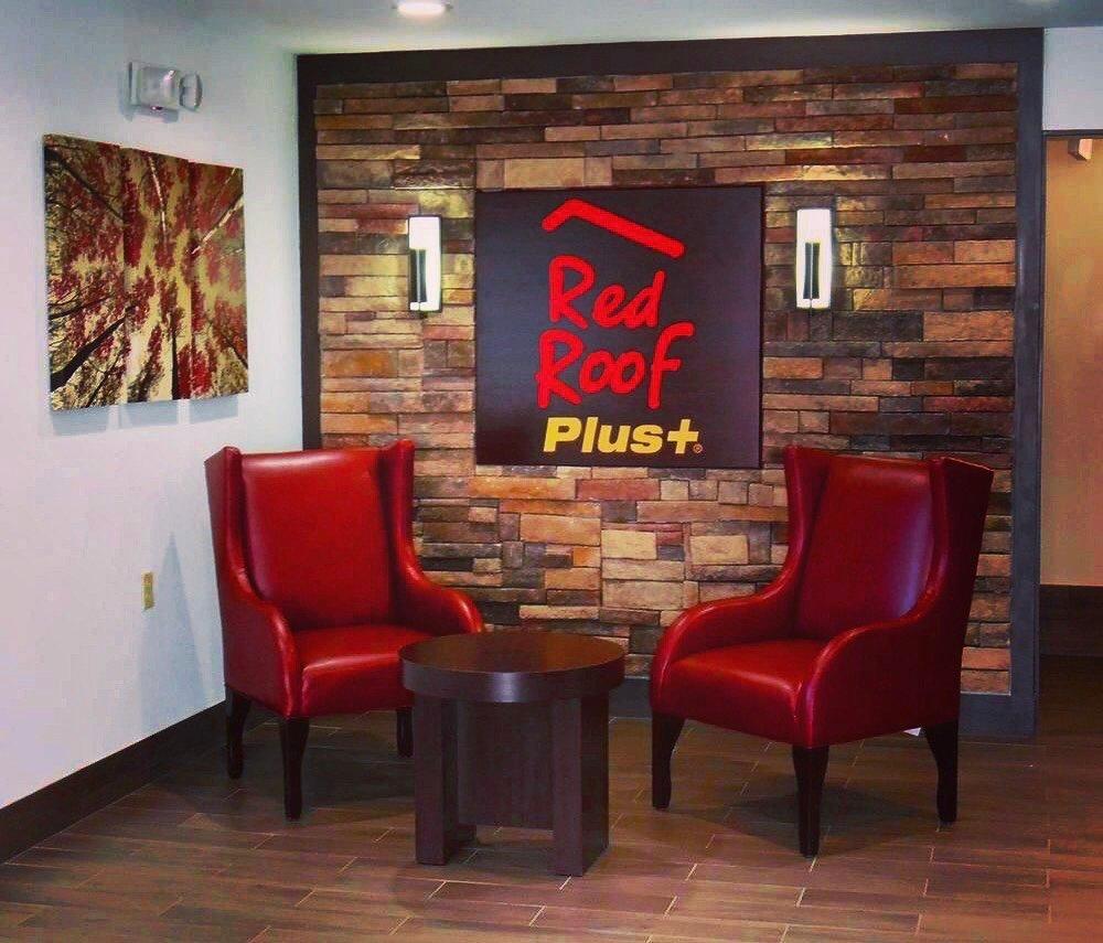 Red Roof PLUS+ Huntsville