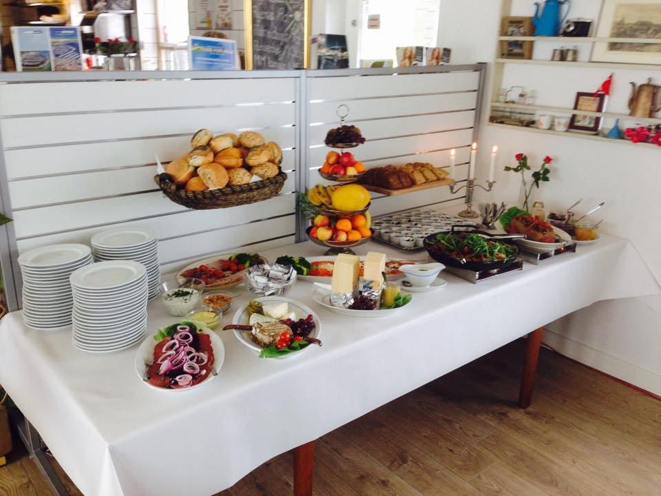 Cafe Mommark Marina