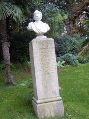 Buste de Leon Dierx