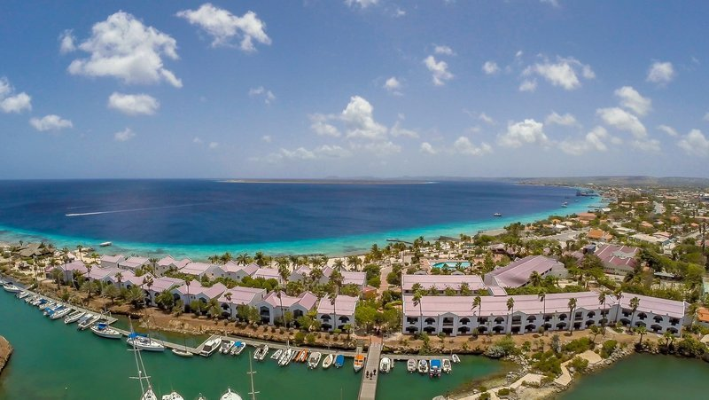 Plaza Beach & Dive Resort Bonaire