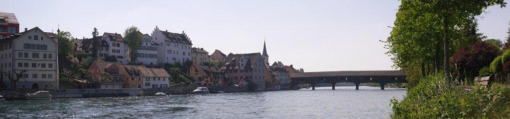 The bridge, with Diessenhofen on the left, seen from Rheinuferpark.