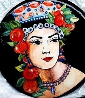 Piatto in ceramica Decortack diametro 30 cm con testa di moro femminile dipinta a mano