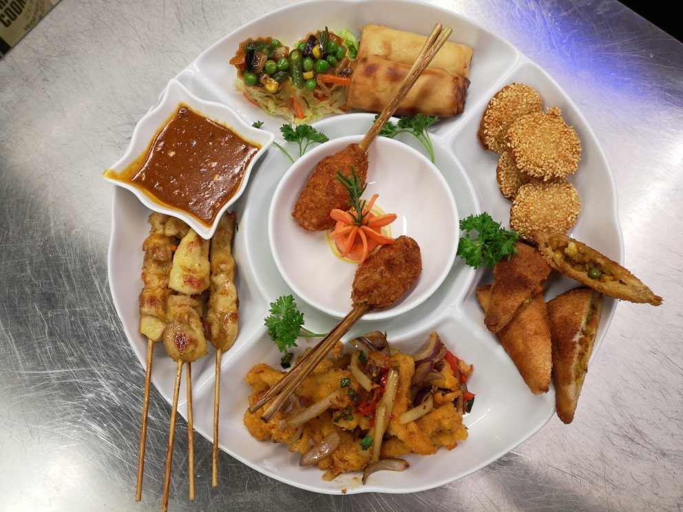 Things To Do in Malaysian, Restaurants in Malaysian