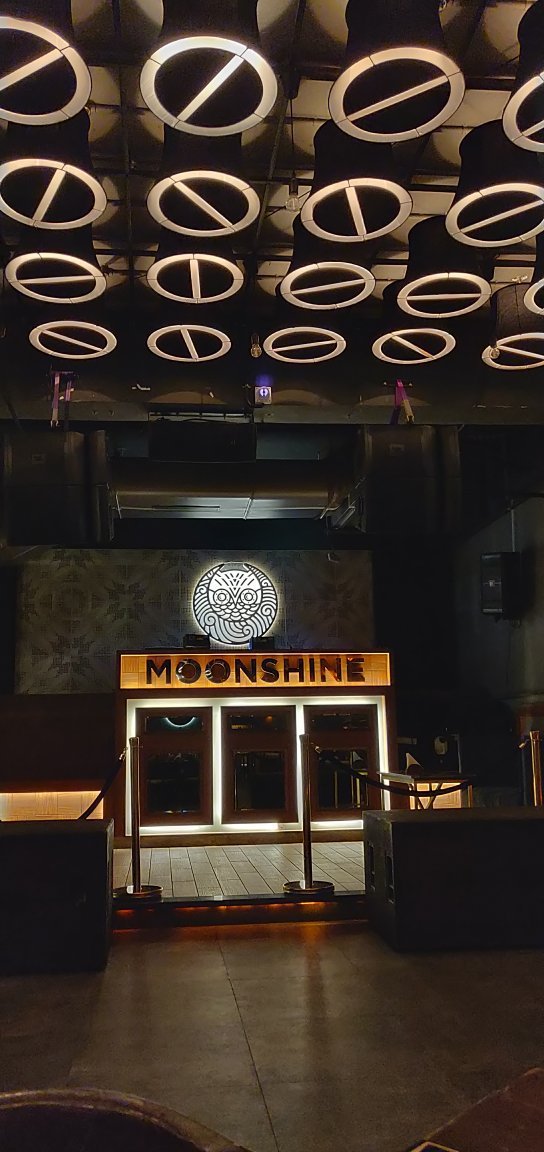 Moonshine Cafe & Bar