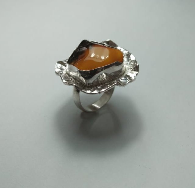 Polish amber set in sterling silver contemporary frilled setting - gem setting class