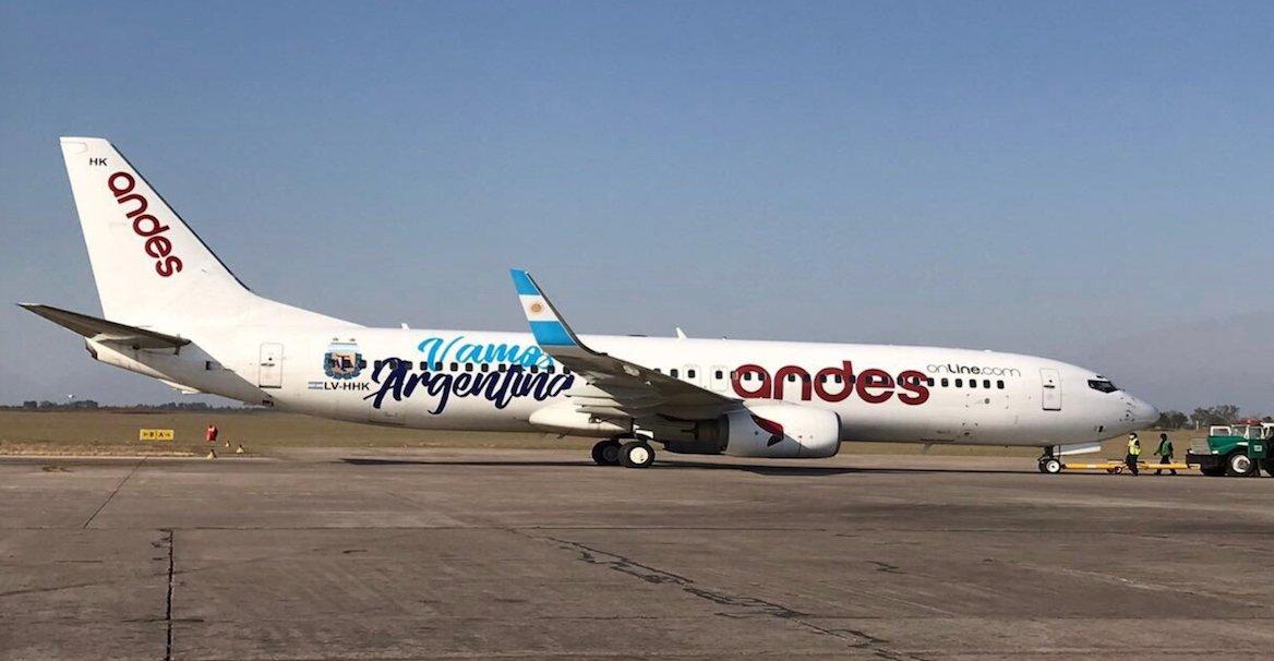 plane photo OY
