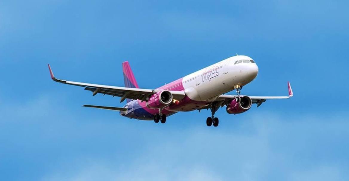 plane photo W6