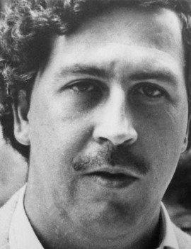 OUR DE PABLO ESCOBAR  Eres un gran fanatico del programa de televisión Narcos en Netflix? Bienvenidos al mejor tour de Pablo Escobar. Diríjase a los lugares donde el mayor narcotraficante fue capturado y aprenda cómo Medellín ha superado esa época, en un recorrido personalizado que puede tomar de 4 a 5 horas.