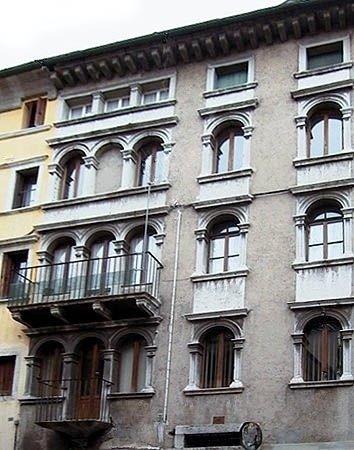 Palazzo Regozza Longana