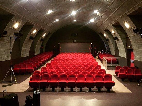 Familia Theatre