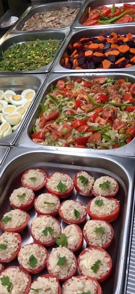 Tomates rellenos y mas ensaladas