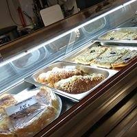 Snacking : quiche lorraine, croissant jambon fromage pissaladière etc.....