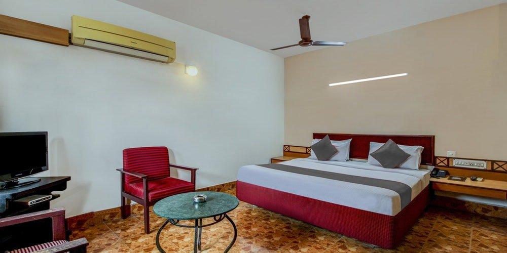 Hotel Saaket Residency