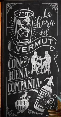 La bodegueta de Valderrobres, ofrece un Vermut casero elaborado en el pueblo- Y además tiene una promoción en la que promociona el vermut  y un pincho de longaniza por 2 €.