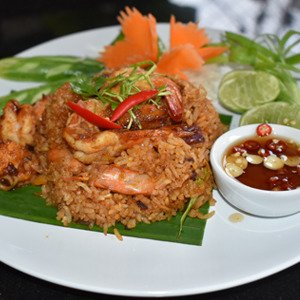 Fried Rice Tom Yum Goong with chili sauce