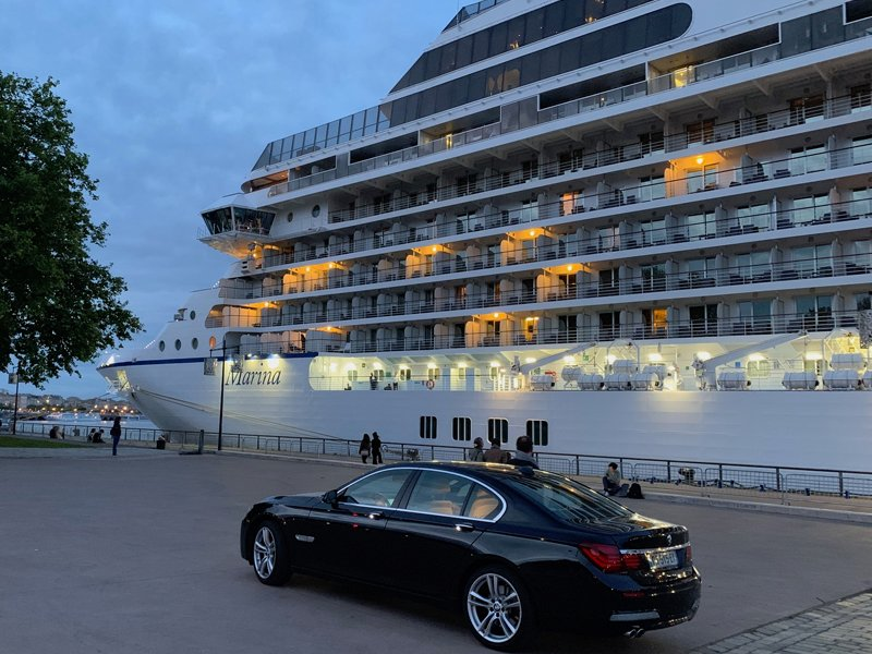 Aquitaine Limousine, Wine tours & Chauffeured services