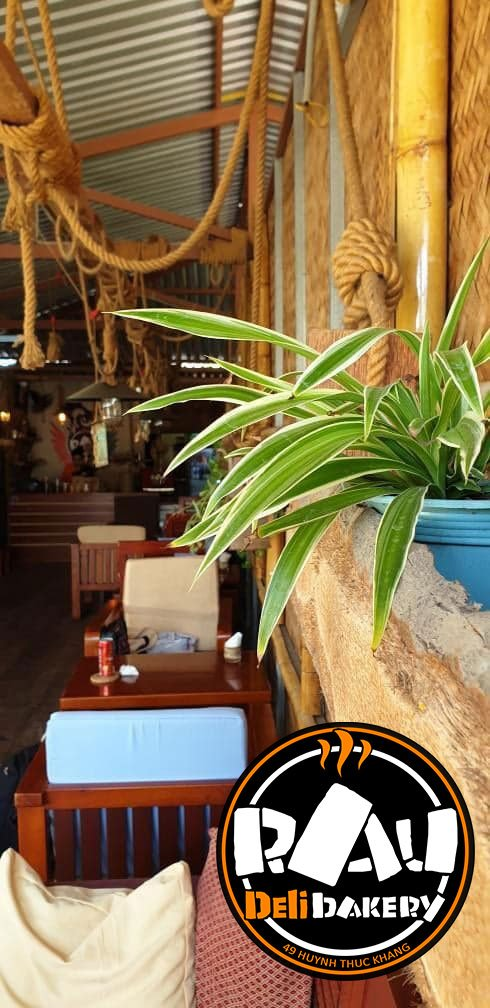 Cafe in Mui Ne, nice relaxing atmosphere. Coffee, tea, juices, smoothies, sweet muffins, pancakes.