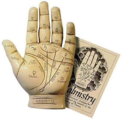 Boss Lady Tarot and Palmistry Readings