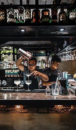 Cocktail connoisseurs!