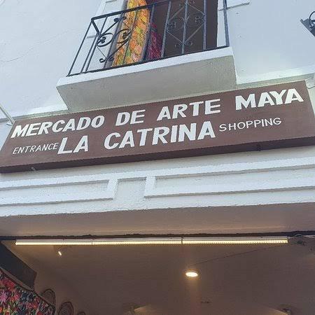 Mercado de Arte Maya La Catrina