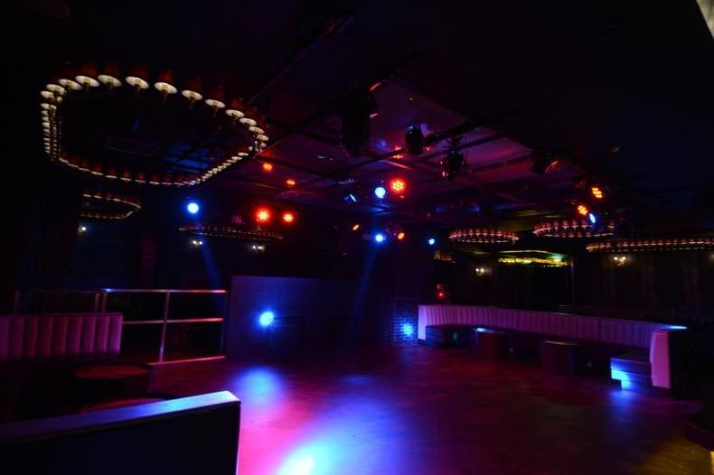 OSAKA DANCE CLUBS Floor