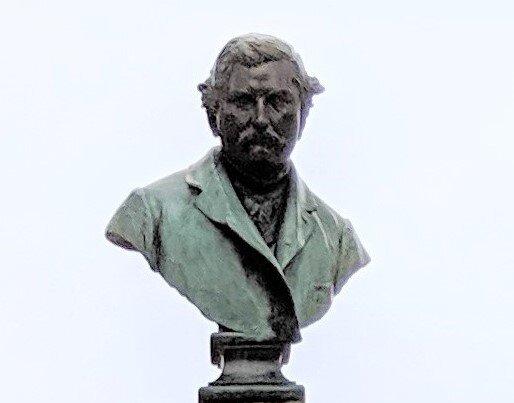 Monument to Omer Sarraut