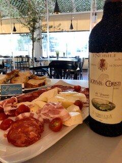 Antipasti and Italian wine from Vesuvio!
