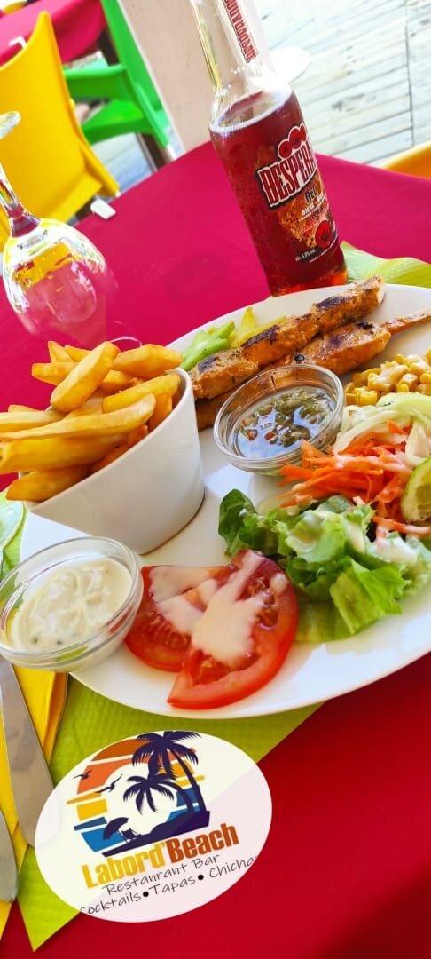 Très Bon Restaurant avec une vue Magnifique... Un personnel accueillant et une très belle prestation culinaire...