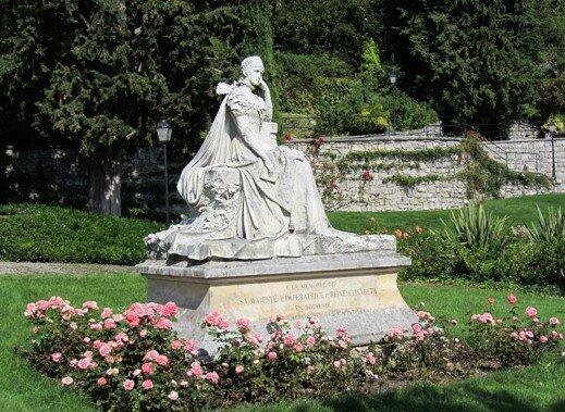 Marble statue of Empress Elisabeth