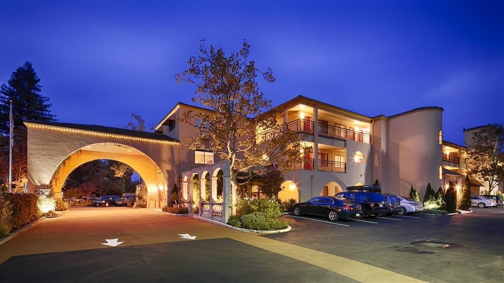 โรงแรมเบสเวสเทิร์นพลัสดรายครีกอินน์