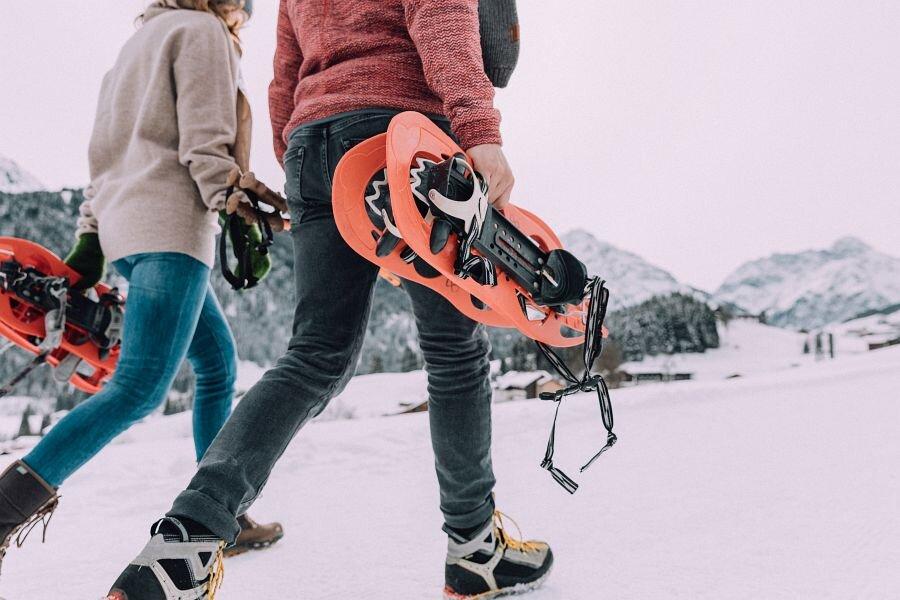 Schneewanderung -  Chesa Valisa Naturhotel Kleinwalsertal