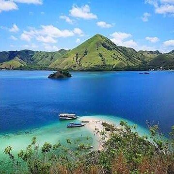Kelor Island ,Labuan Bajo - Indonesia