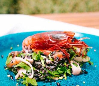 Lasciati conquistare dalle bontà di Chef Bottaro e goditi la vista mare di Pantelleria!