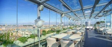 Завтрак на террасе с видом на Петербург (12:00-13:00).