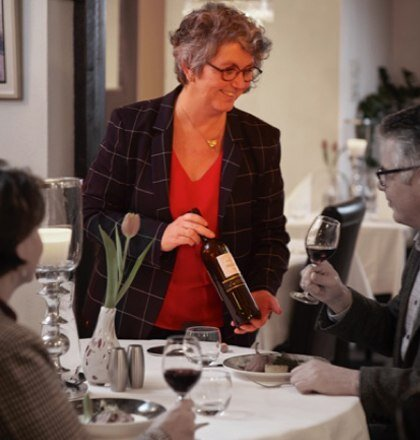 Vera Kleinrensink, Gastvrouw en eigenaar met oprechte interesse in de gasten