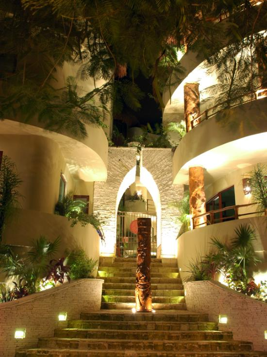 Maya Villa Condo Hotel & Beach Club