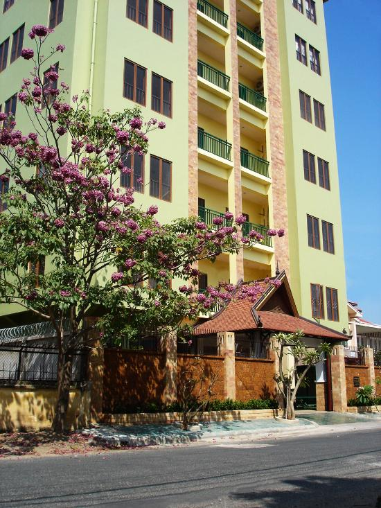 Seddhachan Hotel & Apartments