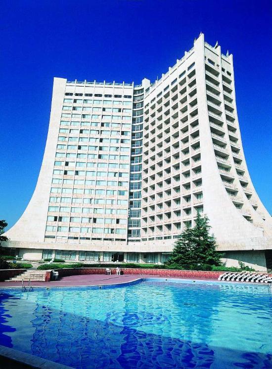 多布羅加酒店