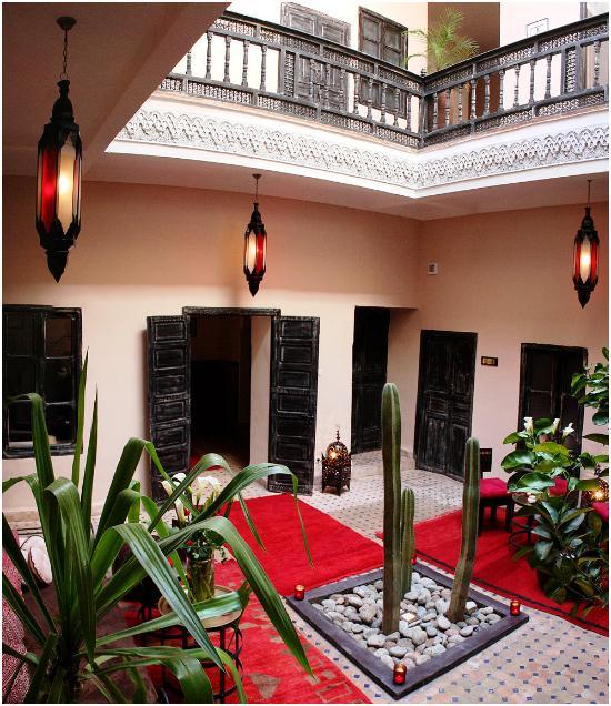리야드 파우라 호텔