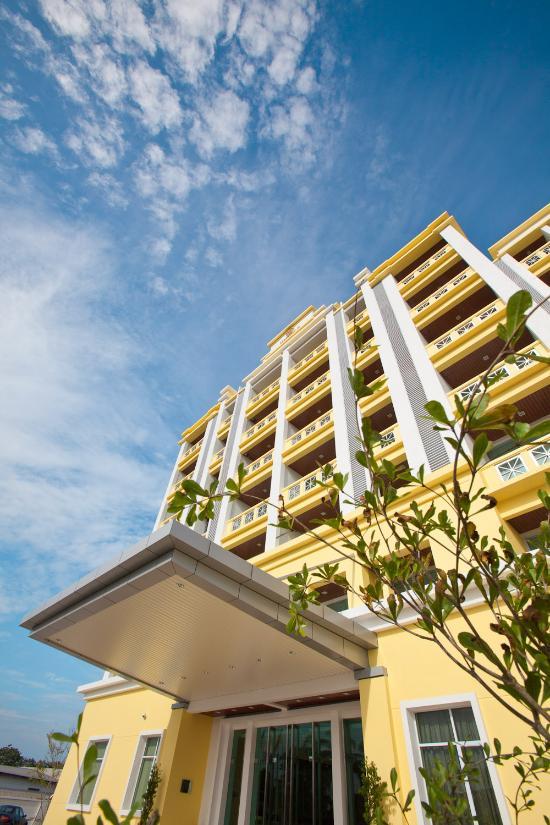 Jinhold Apartment Hotel Bintulu