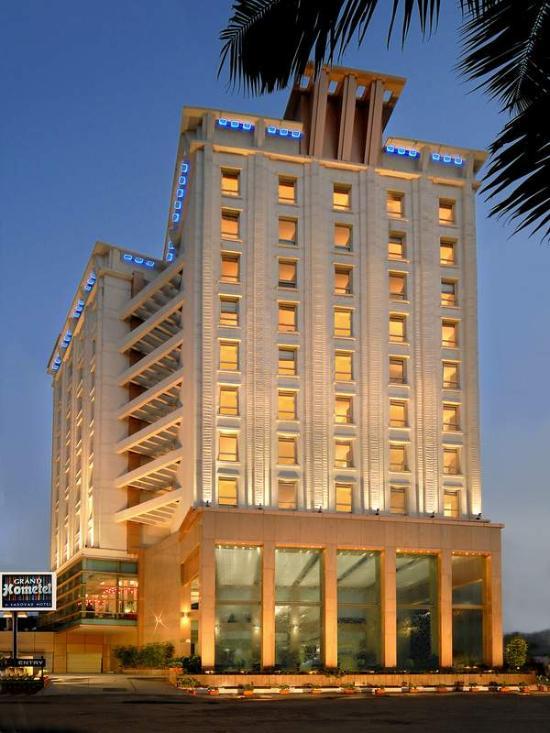 그랜드 홈텔, 뭄바이