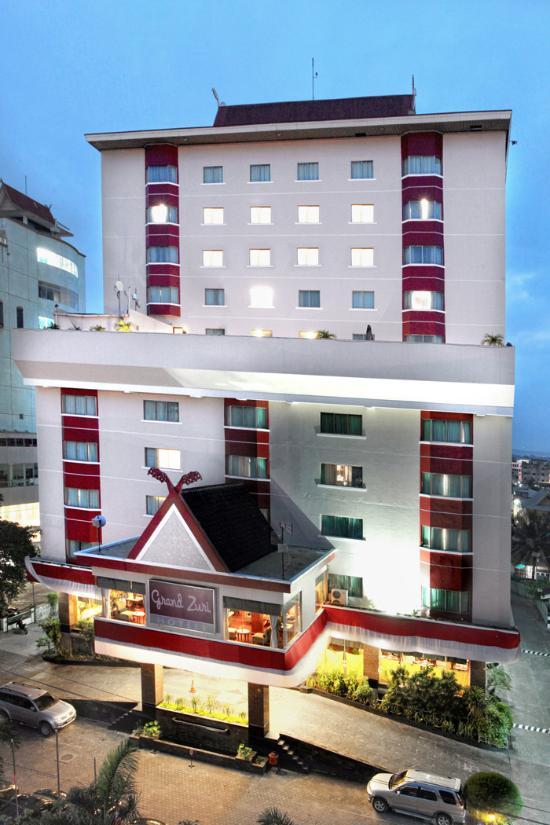 Grand Zuri Pekanbaru Hotel