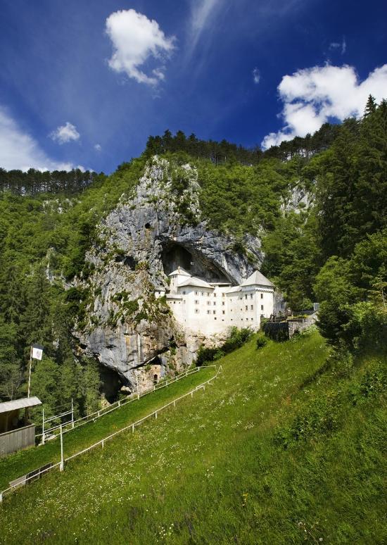 Predjama Castle (48342626)