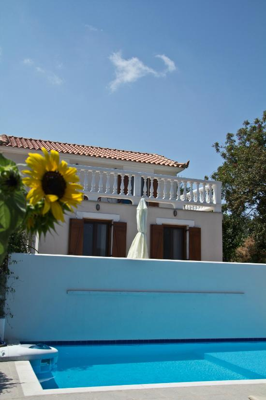 Skopelos Country Villas