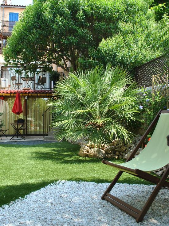 Le petit jardin marseille france updated 2016 b b - Amenagement petit jardin de ville ...